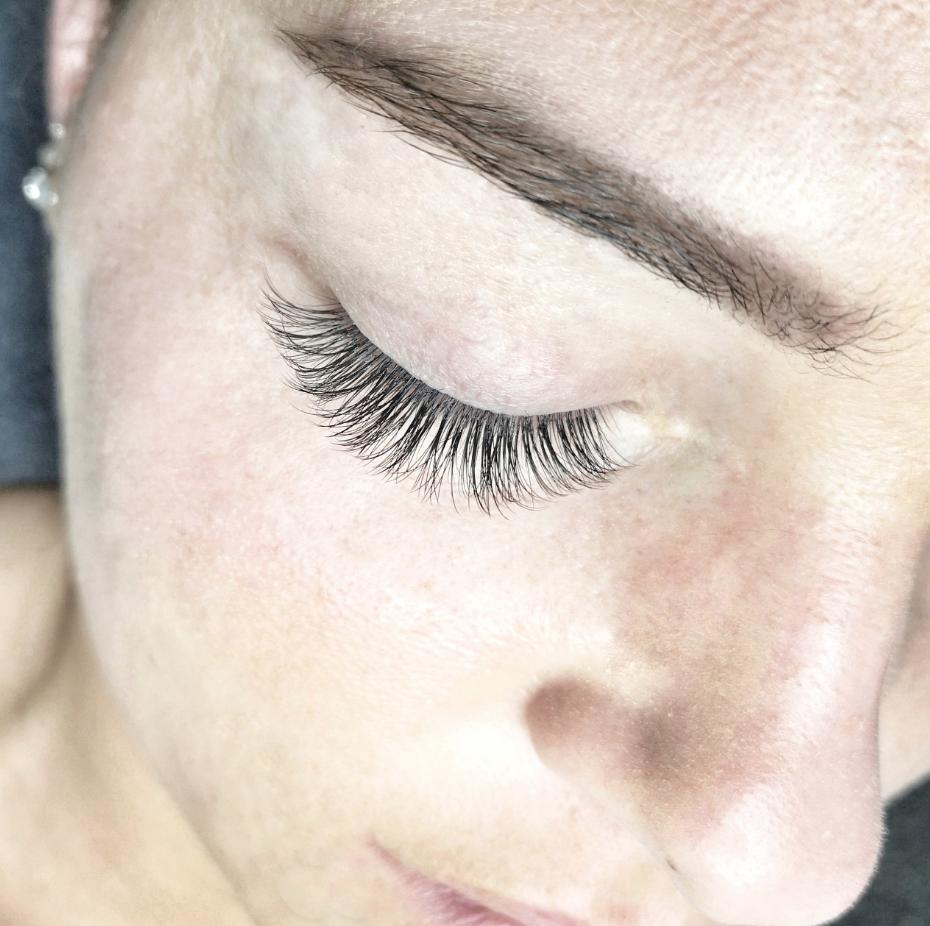 Eyelash extensions og lashlift Aalborg